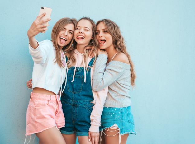 Camisas, tops y pantalones de moda de mujer Tienda Online en Estación de Cártama Málaga